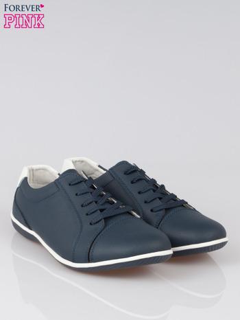 Granatowe buty sportowe faux leather Lucky na granatowej podeszwie                                  zdj.                                  2