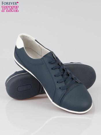 Granatowe buty sportowe faux leather Lucky na granatowej podeszwie                                  zdj.                                  4