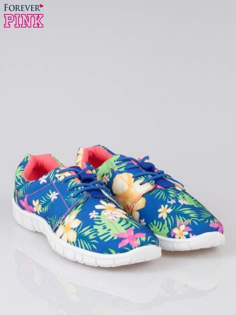 Granatowe buty sportowe textile Tropicana w exotic print na podeszwie flex                                  zdj.                                  2