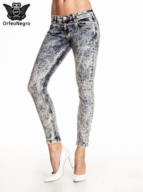 Granatowe marmurkowe spodnie skinny jeans                                  zdj.                                  1