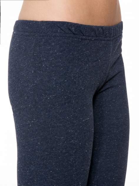 Granatowe melanżowe legginsy                                  zdj.                                  6