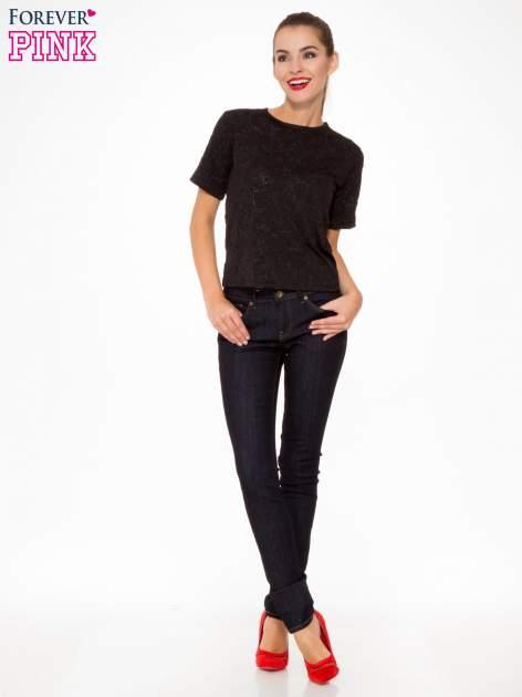 Granatowe spodnie jeansowe rurki                                   zdj.                                  2