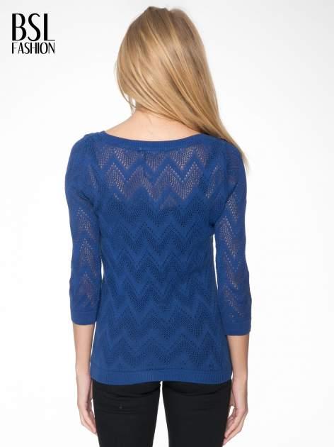 Granatowy ażurowy sweterek z rękawem 3/4                                  zdj.                                  4