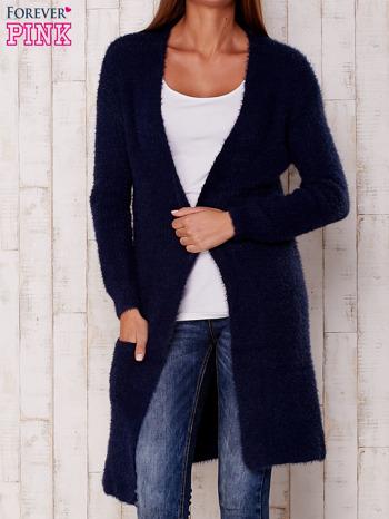 Granatowy długi puszysty sweter                                  zdj.                                  1