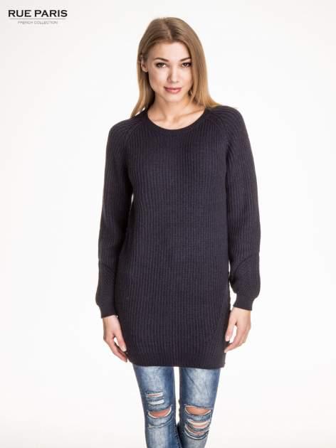 Granatowy długi sweter z suwakiem z tyłu                                  zdj.                                  1