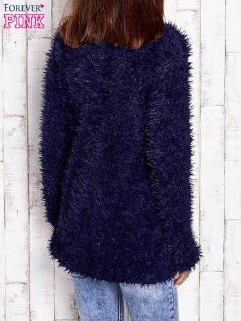 Granatowy futrzany sweter kurtka na suwak                                  zdj.                                  2