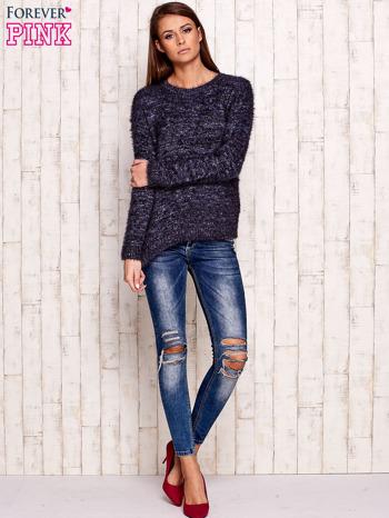 Granatowy melanżowy sweter z dłuższym włosem                                  zdj.                                  2