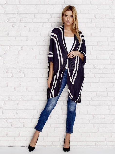 Granatowy sweter w paski o kroju poncha                                  zdj.                                  4