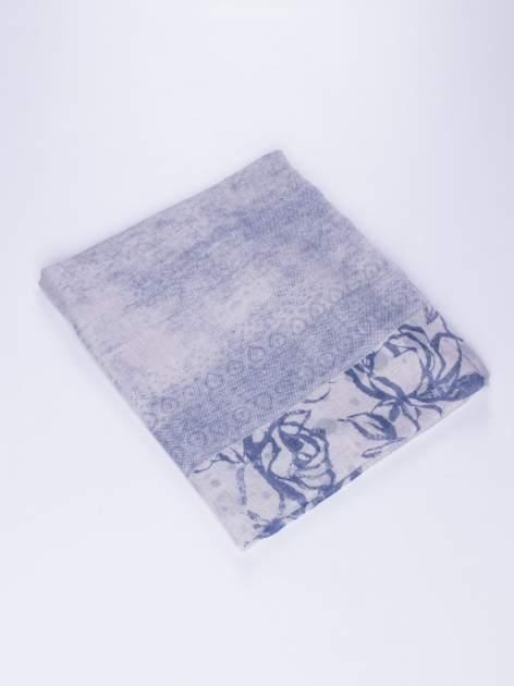 Granatowy szal w orientalny wzór, kropki i kwiaty                                  zdj.                                  2