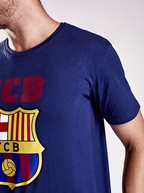 Granatowy t-shirt męski z motywem FC BARCELONA                                  zdj.                                  7
