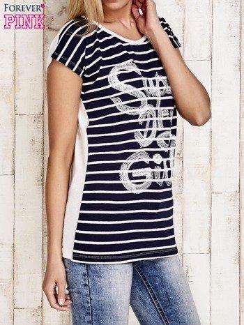 Granatowy t-shirt w białe paski z napisem SUPER DRY GIRL                                  zdj.                                  3