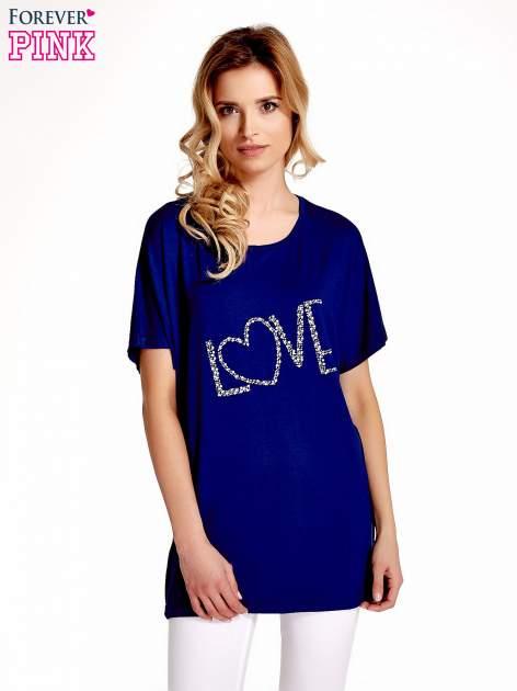 Granatowy t-shirt z biżuteryjnym napisem LOVE                                  zdj.                                  1