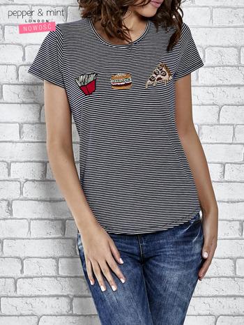 Granatowy t-shirt z motywem fast food