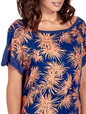 Granatowy t-shirt z nadrukiem w palmy                                  zdj.                                  5