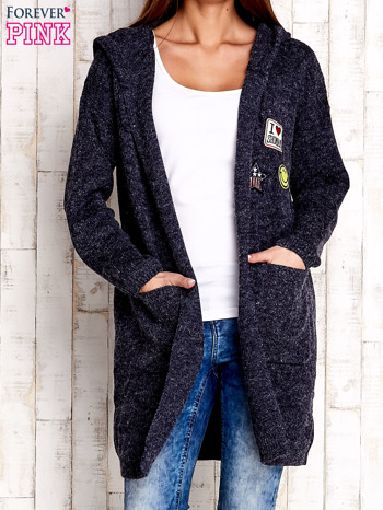 Granatowy wełniany sweter z naszywkami i kapturem                                  zdj.                                  1