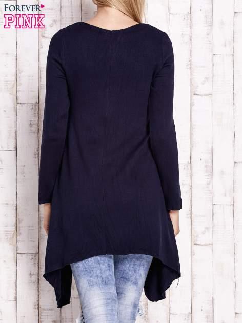 Granatowy wiązany asymetryczny sweter                                  zdj.                                  4
