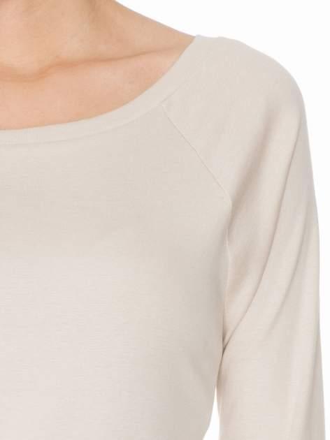Jasnobeżowa bawełniana bluzka z rękawami typu reglan                                  zdj.                                  5