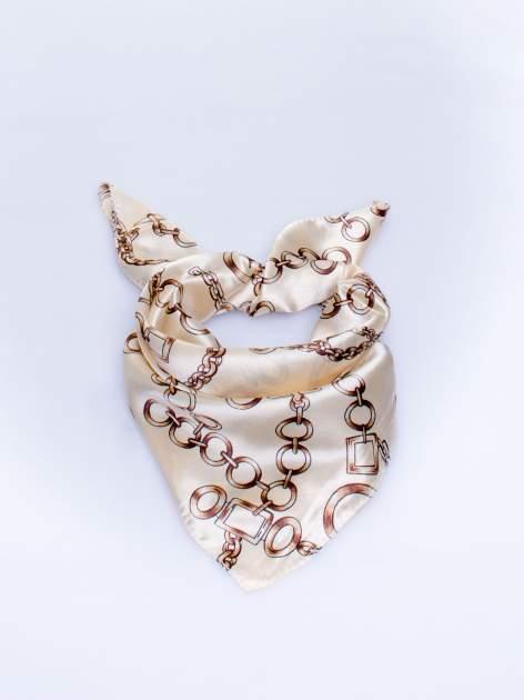 Jasnobeżowa chusta apaszka z motywem łańcuszka