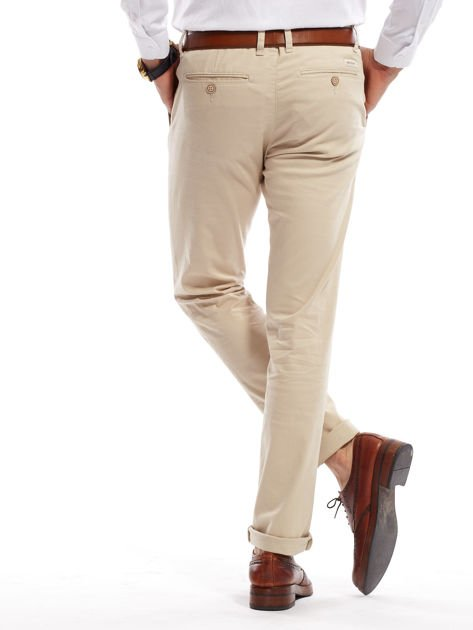 Jasnobeżowe spodnie męskie chinosy o prostym kroju                                  zdj.                                  7