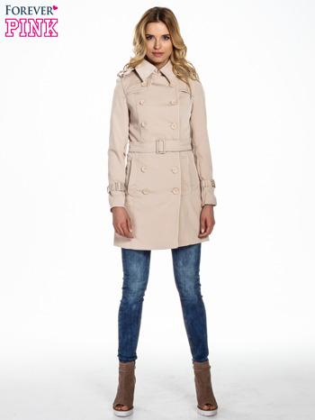 Jasnobeżowy klasyczny płaszcz trencz ze skórzanym obszyciem                                  zdj.                                  5