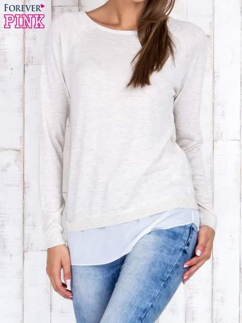Jasnobeżowy luźny sweter z siateczką i wycięciem z tyłu                                  zdj.                                  1