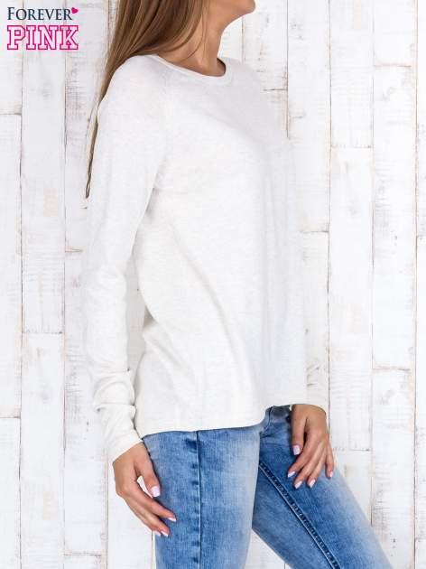 Jasnobeżowy sweter z dłuższym tyłem i zakładką na plecach                                  zdj.                                  3