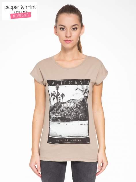 Jasnobrązowy t-shirt z nadrukiem CALIFORNIA