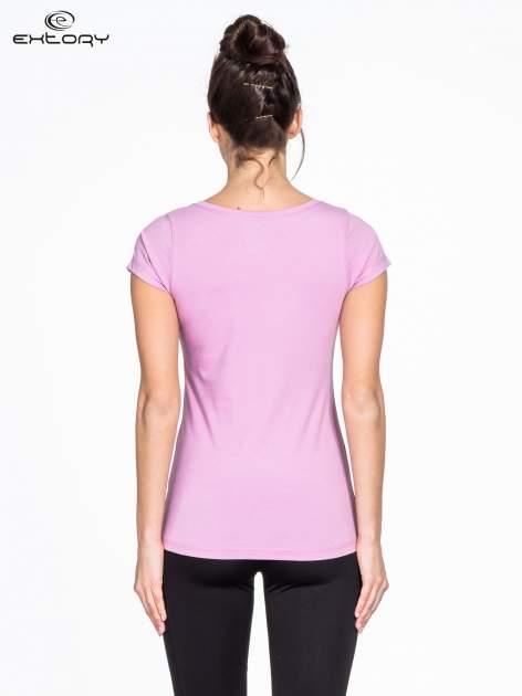 Jasnofioletowy damski t-shirt sportowy basic PLUS SIZE                                  zdj.                                  3