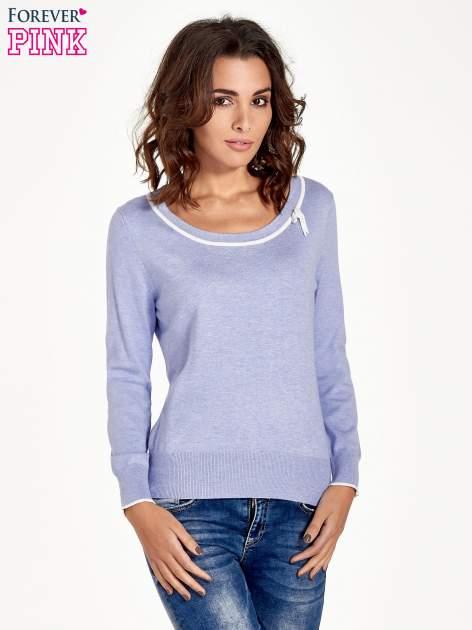 Jasnofioletowy sweterek z kokardką przy dekolcie                                  zdj.                                  1