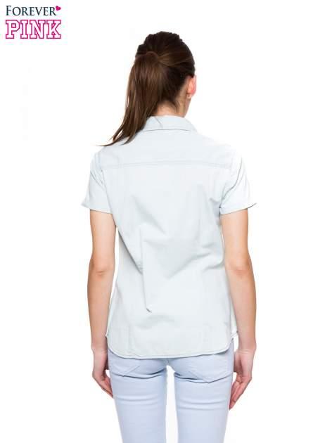 Jasnoniebieska jeansowa koszula na krótki rękaw z koronką                                  zdj.                                  2