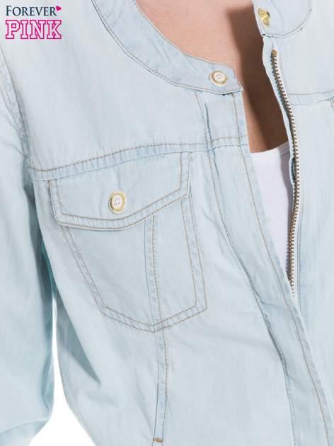 Jasnoniebieska kurtka jeansowa typu bomber jacket                                  zdj.                                  5