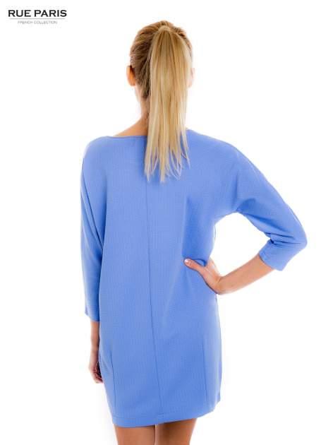 Jasnoniebieska prosta sukienka                                  zdj.                                  3