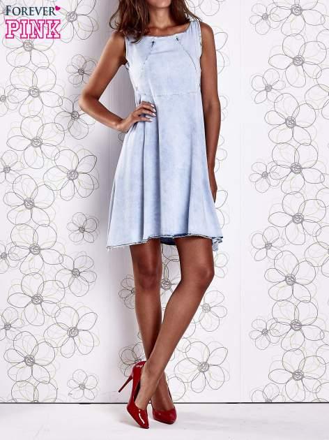 Jasnoniebieska rozkloszowana dekatyzowana sukienka                                  zdj.                                  9