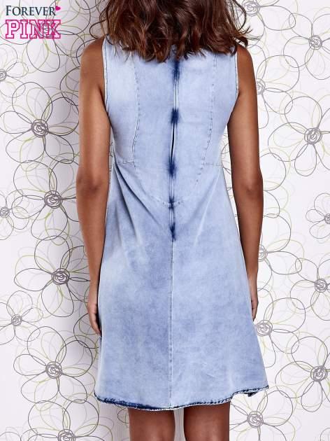 Jasnoniebieska rozkloszowana dekatyzowana sukienka                                  zdj.                                  2
