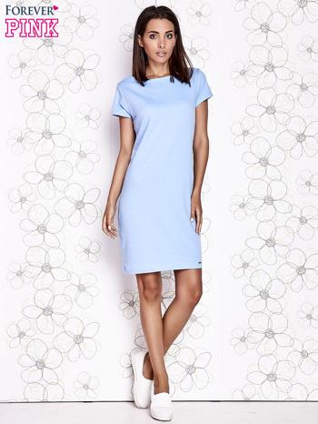 Jasnoniebieska sukienka dresowa o prostym kroju                                  zdj.                                  2