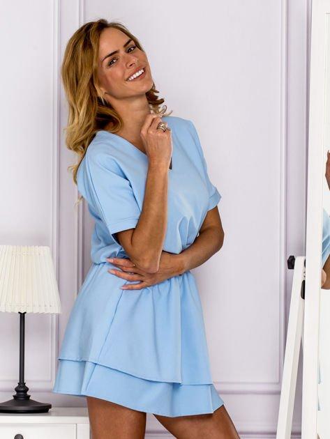 Jasnoniebieska sukienka z gumką w pasie                                   zdj.                                  3