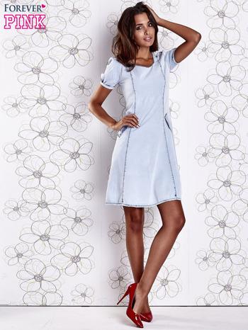 Jasnoniebieska sukienka z wycięciami na plecach                                  zdj.                                  4