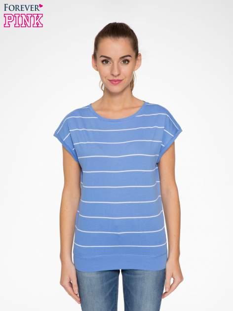 Jasnoniebieski t-shirt w paski