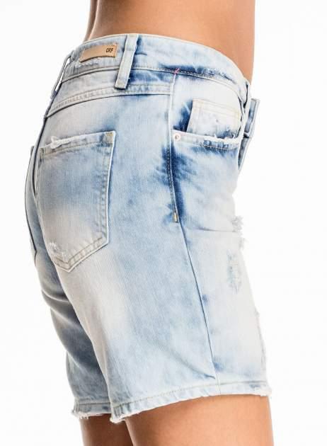 Jasnoniebieskie jeansowe szorty z dłuższą nogawką                                  zdj.                                  7