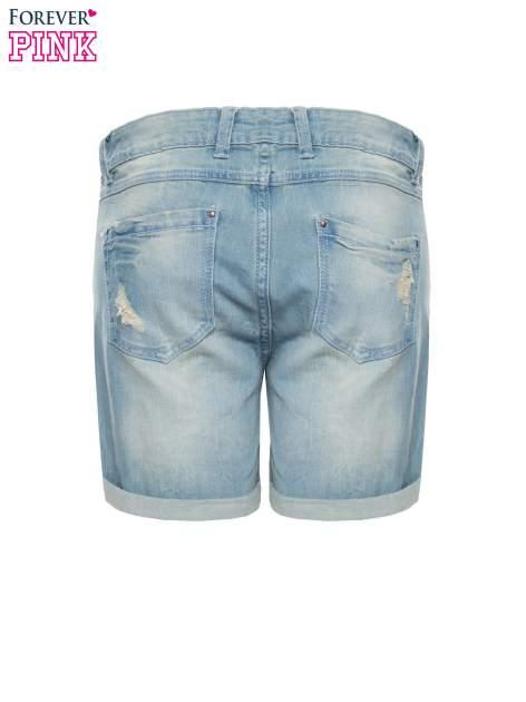Jasnoniebieskie jeansowe szorty z podwijanymi nogawkami                                  zdj.                                  5