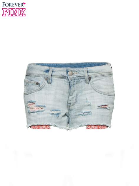 Jasnoniebieskie jeansowe szorty z wystającymi kieszeniami                                  zdj.                                  2