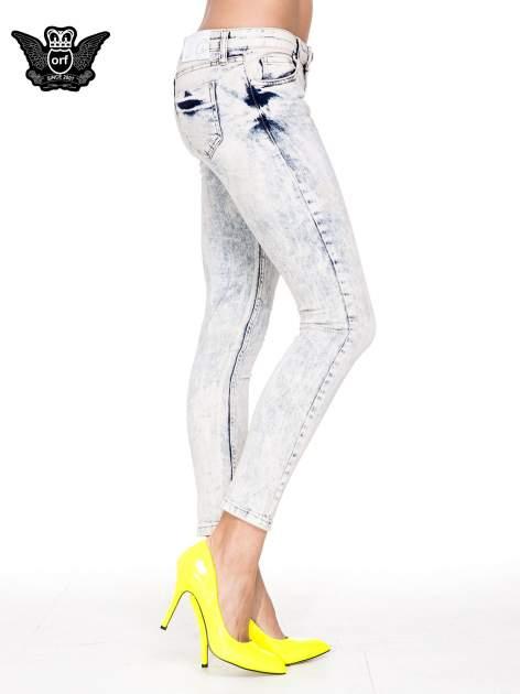 Jasnoniebieskie przecierane spodnie skinny jeans marmurki                                  zdj.                                  3