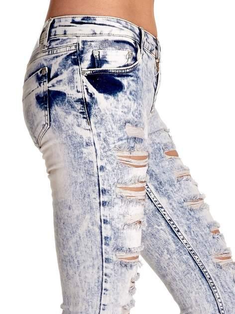 Jasnoniebieskie spodnie jeansowe dzowny cut out                                  zdj.                                  6