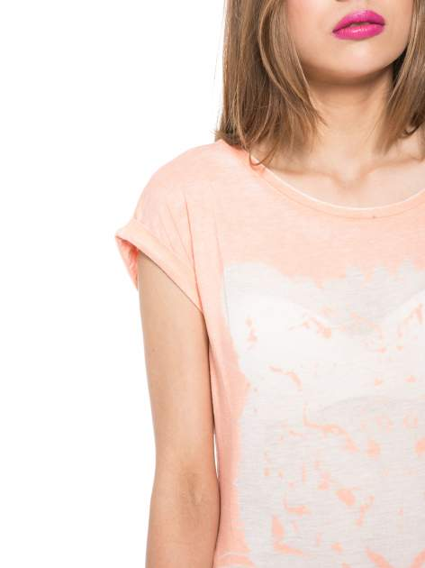Jasnopomarańczowy t-shirt z nadrukiem tygrysa                                  zdj.                                  5