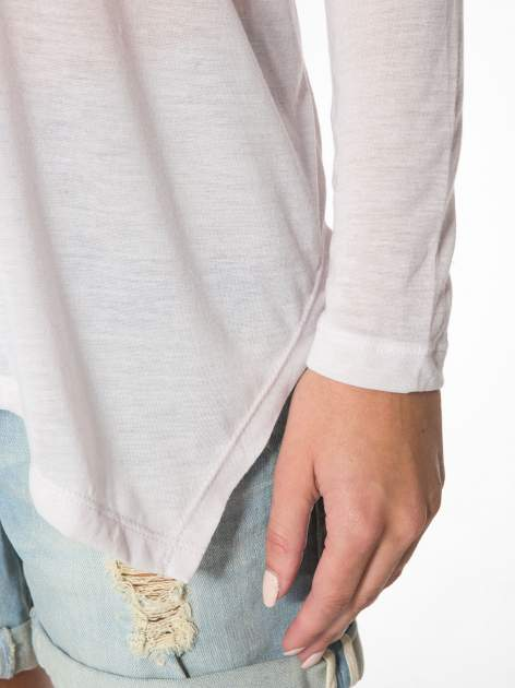Jasnoróżowa bluzka z asymetrycznym cięciem na dole                                  zdj.                                  10