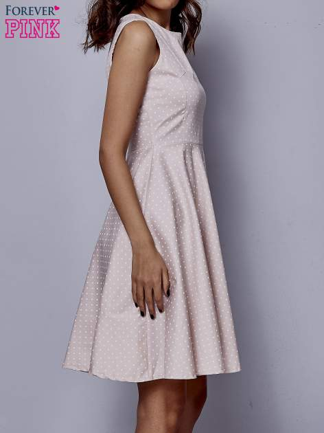 Jasnoróżowa rozkloszowana sukienka w groszki                                  zdj.                                  5