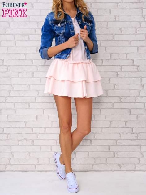 Jasnoróżowa sukienka dresowa z podwójną falbaną                                  zdj.                                  2