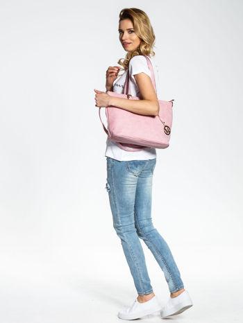 Jasnoróżowa torba shopper bag z zawieszką                                  zdj.                                  6