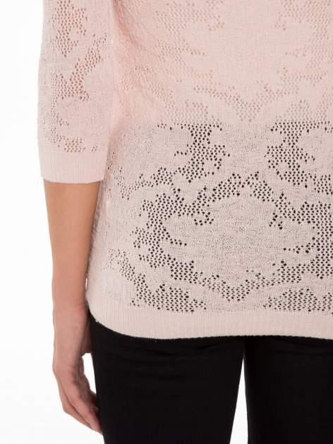 Jasnoróżowy ażurowy sweter z rękawami 3/4                                  zdj.                                  8
