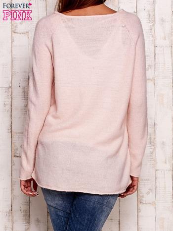 Jasnoróżowy dzianinowy sweter                                   zdj.                                  4